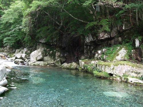 川は綺麗なんだけどな~^^;.jpg